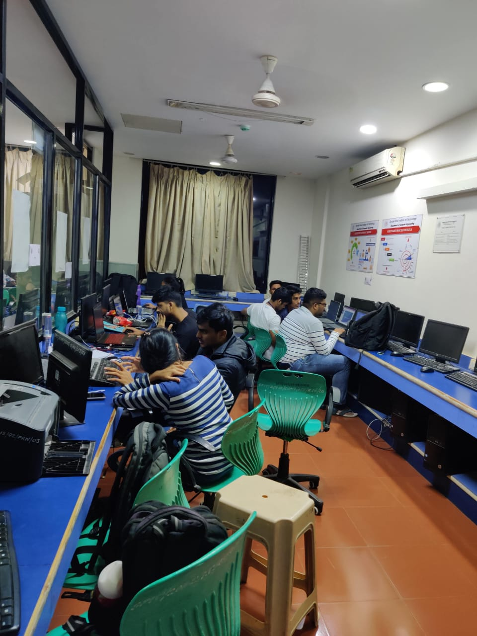 Hackers in action at the csi hackathon